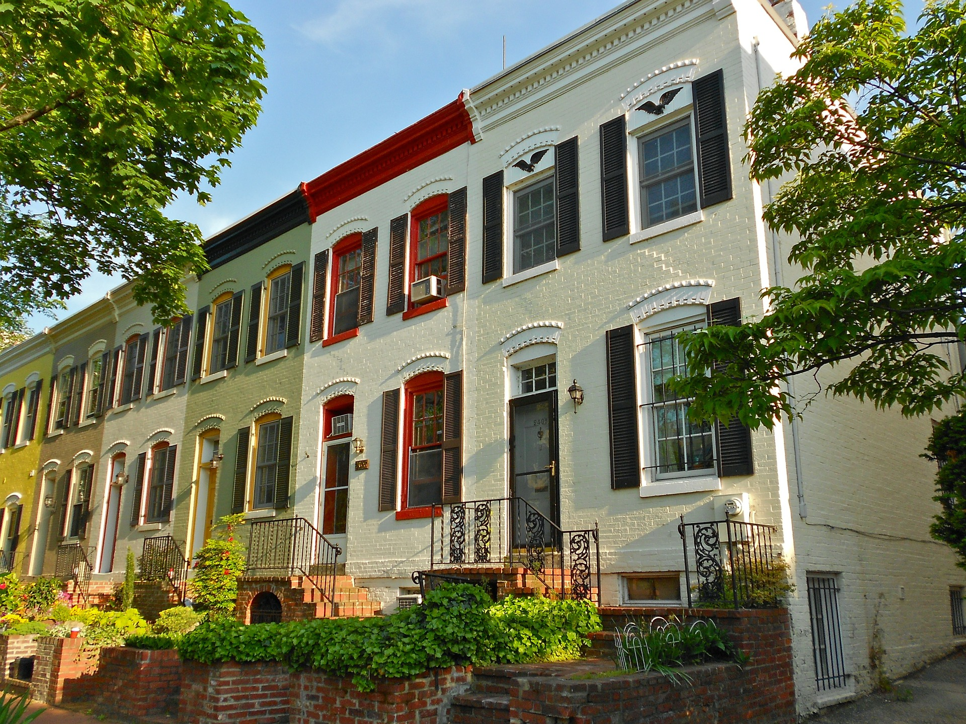 Buying and Selling Condos and Townhomes